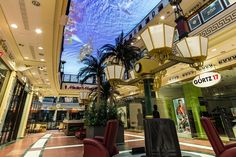 Das Schloss shopping centre has received an AV upgrade, with the world's largest projection ceiling immersing shoppers in the heart of Berlin Berlin, Projection Mapping, Main Attraction, Digital Trends, Shopping Center, Worlds Largest, Underwater, Street View, Europe