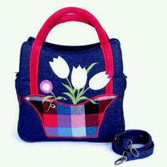 Saya menjual Tas Kanvas Mini Kabizaku Bunga seharga Rp169.000. Dapatkan produk ini hanya di Shopee! https://shopee.co.id/sistalolly/71431860 #ShopeeID
