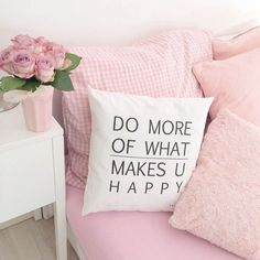 Quotes About Happiness : QUOTATION – Image : Quotes Of the day – Description Cute pillows Sharing is Power – Don't forget to share this quote ! Granny Chic, Dream Rooms, Dream Bedroom, Cute Pillows, Bed Pillows, Pink Pillows, My New Room, My Room, House Rooms