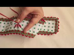 TOALLA BORDADA EN CINTAS PARA NAVIDAD/EMBROIDERED TOWEL ON RIBBONS FOR CHRISTMAS - YouTube