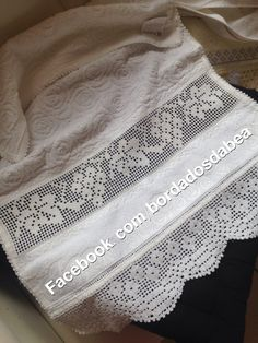 Filet Crochet, Hardanger Embroidery, Linens And Lace, Heirloom Sewing, Towel, Ideas, Crochet Lace Edging, Tunisian Crochet, Doilies