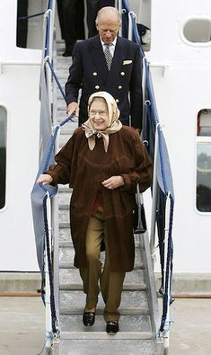 The Queen looked happy and relaxed as she holidays in Scotland back in 2006 to celebrate her birthday. She looks elegant in the taupe trousers and brown coat combination.