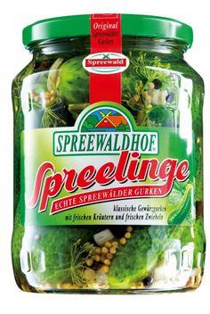 Der Spreewald war schon zu DDR-Zeiten die Gemüsekammer des Ostens. Vor allem Gurken wachsen hier ohne Ende und werden auf spezielle Weise eingelegt. Allmälich wanderten auch sie in den Westen.