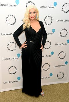 Christina Aguilera Wrap Dress - Christina Aguilera oozed Old Hollywood glamour in a draped black wrap gown by Versace at the Sinatra Voice for a Century event. Christina Aguilera, Star Fashion, Daily Fashion, Fashion News, Dress Fashion, Toms, Amy Poehler, Old Hollywood Glamour, Night Looks