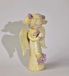 Andělka+(14)+Andělinka+z+keramiky,+výška++-18+cm,+tělíčko+duté,+hlavička+plná.+Veselá,+přitom+decentní+dekorace...+Milý+vánoční+dárek:-)