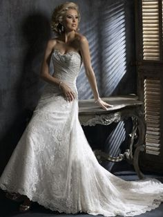 A-line Sweetheart Lace Lace Chapel Train Wedding Dress