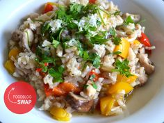 Risotto met champignons, kip en paprika - Duizenden1dag Couscous, Italian Recipes, Food And Drink, Rice, Lunch, Dinner, Healthy, Ethnic Recipes, Rondom