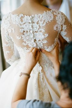 Stunning back lace wedding gown