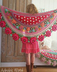 Interview with Crochet Artist Adinda Zoutman - Stola Stricken Art Au Crochet, Poncho Crochet, Crochet Shawls And Wraps, Freeform Crochet, Knitted Shawls, Crochet Scarves, Crochet Clothes, Crochet Stitches, Crochet Flower Patterns