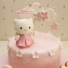 Hello Kitty Cake adorable Torta Hello Kitty, Hello Kitty Fondant, Hello Kitty Cake Design, Hello Kitty Birthday Theme, Hello Kitty Themes, White Birthday Cakes, Birthday Cake Girls, Pretty Cakes, Cute Cakes
