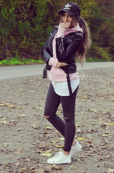 45 Sexy and Stylish Fall Outfits Ideas 2019 - Fashiondioxide Cute Travel Outfits, Cute Comfy Outfits, Winter Fashion Outfits, Fall Outfits, Cool Girl Images, Outfits With Hats, Girl Fashion, Womens Fashion, Weekend Wear