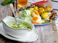 Green sauce with jacket potatoes and eggs Recipe DELICIOUS - Our popular recipe for green sauce with jacket potatoes and eggs and over other free recipes - Fondue Recipes, Egg Recipes, Clean Recipes, Cooking Recipes, Healthy Recipes, Free Recipes, Bouillabaisse Rezept, Potato And Egg Recipe, Convenience Food