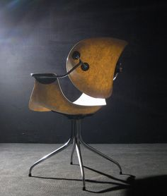George Nelson 'Daa' office chair for Herman Miller (1958). Fiberglass & polished metal.
