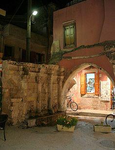 Rethymnon: Rimondi fountain (Night) #Crete Island