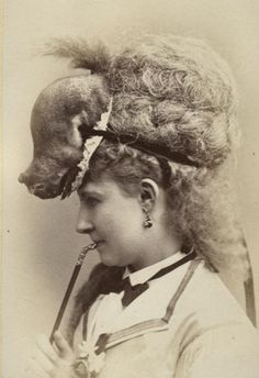 There is a squirrel on this woman's head,. a squirrel. Antique Photos, Vintage Pictures, Vintage Images, Old Photos, Animal Hats, Weird And Wonderful, Victorian Era, Edwardian Era, Victorian Fashion