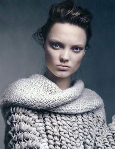 Elegant grey chunky knit sweater; contemporary knitwear design // Smug magazine editorial