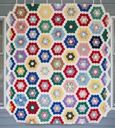 MessyJesse: English Paper Piecing Basics: Week 2 // Hexagons - Grandmother's Flower Garden, Rotary Cutting and Basting + Giveaway Winner!