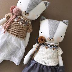 Luckyjuju handmade kitten cat dolls with colorwork sweaters #luckyjuju #luckyjujuworkshop #handmadedoll #handmadewithlove #knitwithlove #cat #catdoll #kittydoll #kittendoll