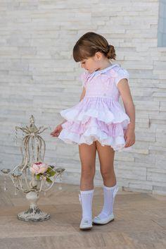 Conjunto para niña compuesto por camiseta blanca de algodón con cuello tipo  camisa y vestido pichi 89489a4cf580