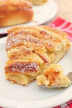 Brioche spiral with Hazelnut - - Bread And Pastries, Delicious Desserts, Dessert Recipes, Yummy Food, Breakfast Desayunos, Gula, Small Desserts, Food Humor, Churros