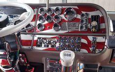 Big Rig Truck Interiors | Custom Big Rig Interiors - Las Vegas and Fergus Truck Shows 2007 - Mid ...