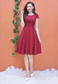 Asian girl with a red dress Modest Dresses, Simple Dresses, Elegant Dresses, Pretty Dresses, Beautiful Dresses, Casual Dresses, Short Dresses, Fashion Dresses, Vintage Dresses