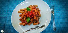 Pasta mit Auberginen, Salsiccia und Tomaten