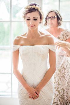 Gorgeous Grecian inspired wedding dress + hair: http://www.stylemepretty.com/2016/01/06/black-tie-garden-party-wedding/ | Photography: Sally Pinera - http://sallypinera.com/