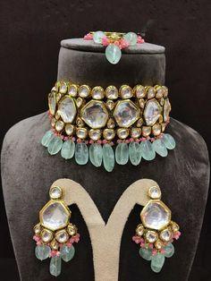 Bridal Kundan Jewellery, Wedding Jewellery Designs, Bridal Jewellery Inspiration, Indian Jewelry Earrings, Antique Jewellery Designs, Kundan Set, Indian Jewelry Sets, Fancy Jewellery, Jewelry Design Earrings