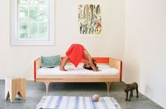 The Caravan Divan Is A Bed Or A Couch That Accommodates Kids Through Childhood | Inhabitots