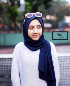 Pashmina georgette stole in navy