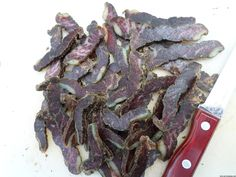 Easy recipe and directions for making healthy organic delicious biltong at home. How to make authentic South African tasting biltong and dry wors. How To Make Chili, Biltong, Smoker Cooking, South African Recipes, Dehydrated Food, Venison, Sugar And Spice, Appetizer Recipes, Easy Meals