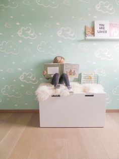 wallpaper Rough Clouds: Discover here the SWEET! wallpaper collection of Roomblush Baby Room Diy, Baby Bedroom, Kids Bedroom, Green Girls Rooms, Little Girl Rooms, Kids Wallpaper, Kids Room Design, Kids House, Decoration