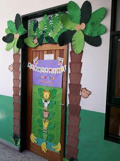 Decoración del aula de Primer Grado  2018 de la Seño Adri Jungle Classroom Door, Jungle Door, Preschool Classroom, Classroom Themes, Jungle Decorations, School Decorations, Jungle Theme Birthday, Safari Theme, Jungle Crafts
