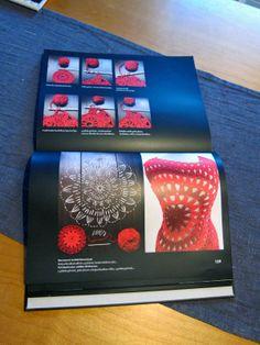 Harmaafuksia: Oma koppa -inspiroiva kirja käsityöläisille ja haaveilijoille myös Crochet Clothes