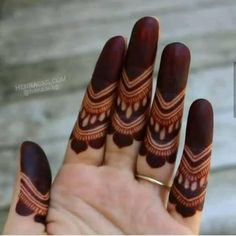 Latest Finger Mehndi Designs Trending This Year - Fashion Henna Hand Designs, Simple Mehndi Designs Fingers, Latest Finger Mehndi Designs, Circle Mehndi Designs, Mehndi Designs Book, Stylish Mehndi Designs, Mehndi Designs 2018, Mehndi Designs For Beginners, Mehndi Designs For Girls