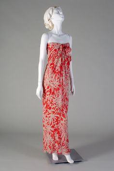 Evening dress of bias draped chiffon printed in red and white floral motif, Halston, 1970s, KSUM 1983.1.1236 a-c.