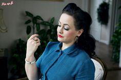 Photo by Vanessa Forstén. Earrings: Ibero.  vintage - villa - vintage dress - elegant - make-up