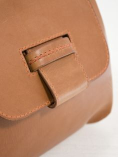 Love the closure -- Henry Cuir Sublime Tan Leather Bag   Envoy of Belfast