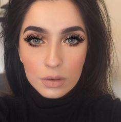 """Today's look✨  Liquid lipstick in Pure Hollywood @anastasiabeverlyhills  Solotica lenses in Quartzo Eyeshadow palette in Demure @motivescosmetics…"""