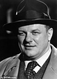 Charles Durning, American actor, with appearances in over 200 movies, television shows and plays. Hollywood Stars, Classic Hollywood, Old Hollywood, Hollywood Icons, Charles Durning, Dog Day Afternoon, Actor Studio, Cinema, Director