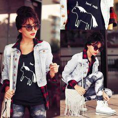 Alana Ruas - Ui!Gafas Sunglasses, Viva Tshirt - Unicorn Hand Made