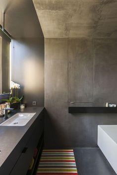 Futuristisches Badezimmer mit Sichtbeton Optik