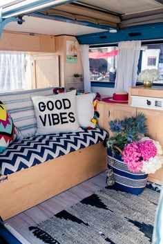 18 Brilliant Ideas Hippie Van Interior Design Vanchitecture 18 Brilliant Ideas Hippie Van Interior Design Vanchitecture Cheylene Keith cheylki Westy There are no seatbelts in the back nbsp hellip Combi Hippie, Hippie Camper, Vintage Camper, Vw Vintage, Vw T3 Westfalia, Wolkswagen Van, Volkswagen Bus Interior, Vw Bus Interior Diy, Motorhome Interior