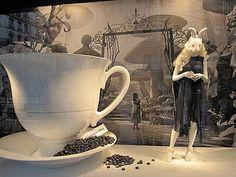 Alice in Wonderland in Visual Merchandising