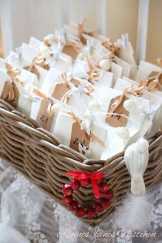Don't settle for store-bought advent calendars this year. Check out these DIY Christmas advent calendars and do things your own way. Christmas Calendar, Noel Christmas, Winter Christmas, Christmas Presents, Homemade Advent Calendars, Diy Advent Calendar, Calendar Ideas, Diy Calendario, Christmas Crafts