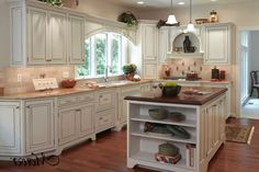 French country kitchen ideas combined with some outstanding furniture make this kitchen look outstanding 10