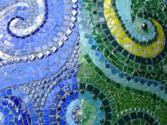 mosaic swirls - possible design for pizza oven, small wall or behind a water feature Outdoor Kitchen Bars, Pizza Oven Outdoor, Gaudi Mosaic, Mosaic Tiles, Mosaic Fireplace, Outdoor Water Features, Mosaic Artwork, Mosaic Pictures, Mosaic Crafts