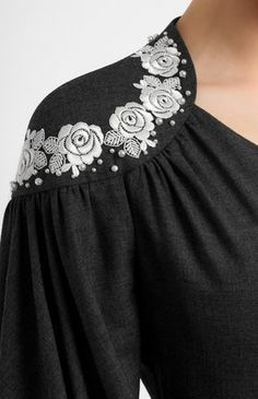 Super Ideas For Embroidery Fashion Fabric Manipulation Patterns Women's Dresses, Fashion Dresses, Mode Abaya, Sleeves Designs For Dresses, Embroidery Fashion, Fabric Manipulation, Mode Inspiration, Design Inspiration, Design Ideas