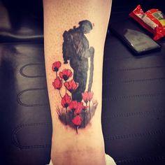 lest we forget tattoo Army Tattoos, Military Tattoos, Remembrance Tattoos, Memorial Tattoos, Cute Tattoos, Tattoos For Guys, Tatoos, Poppy Tattoo Men, Union Jack Tattoo